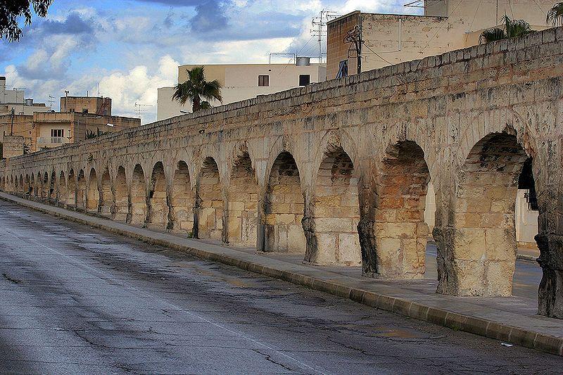 800px-wignacourt_aqueduct_santa_venera_malta