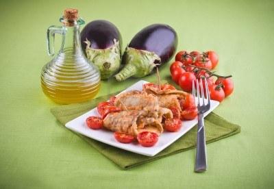 13707493-eggplant-roulades-with-cherry-tomato-salad